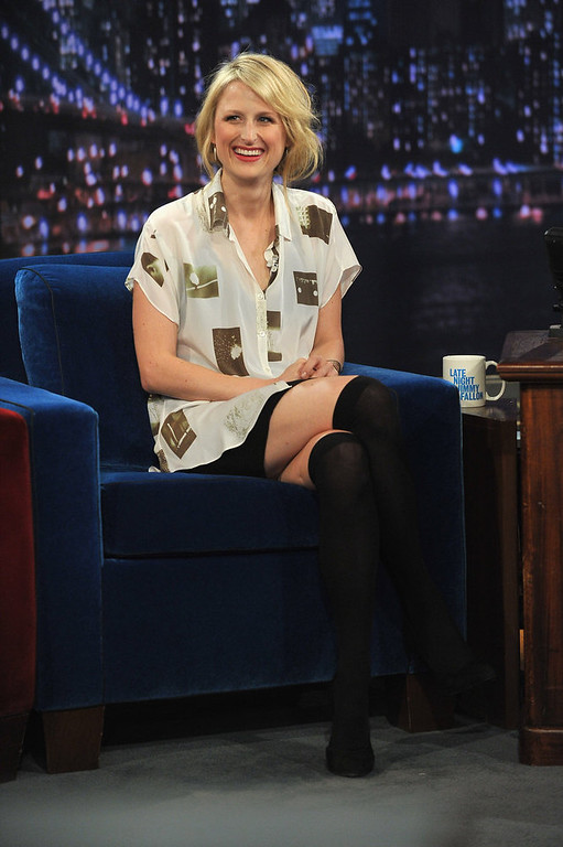 "Description of . Mamie Gummer visits ""Late Night With Jimmy Fallon\"" at Rockefeller Center on October 2, 2012 in New York City.  (Photo by Theo Wargo/Getty Images)"