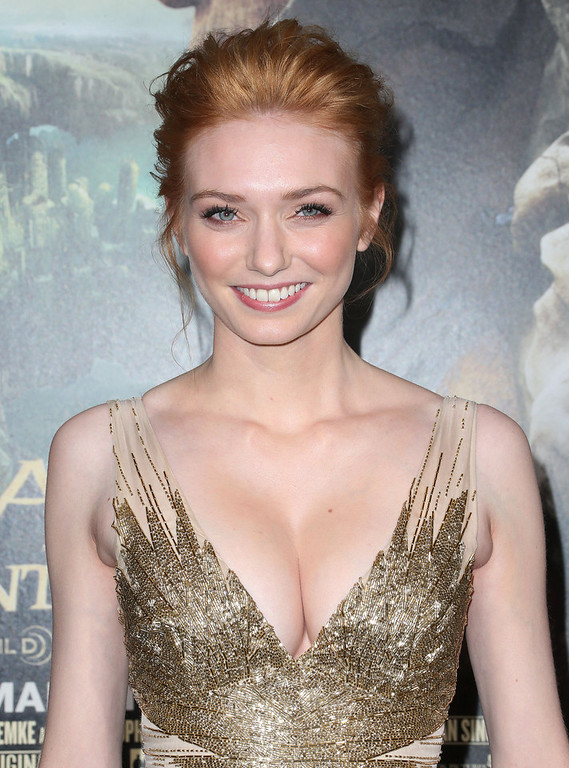 Description of . Actress Eleanor Tomlinson attends the Premiere Of New Line Cinema's