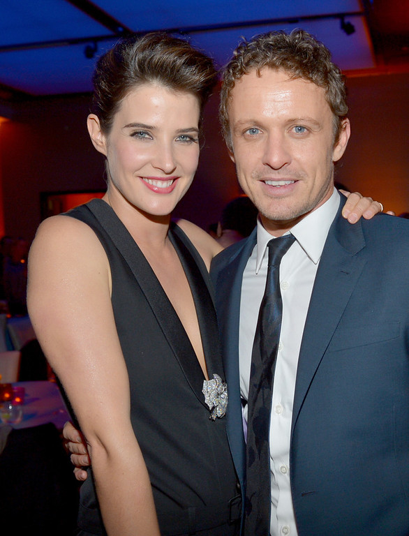 Description of . Actress Cobie Smulders (L) and actor David Lyons attend the premiere of Relativity Media's