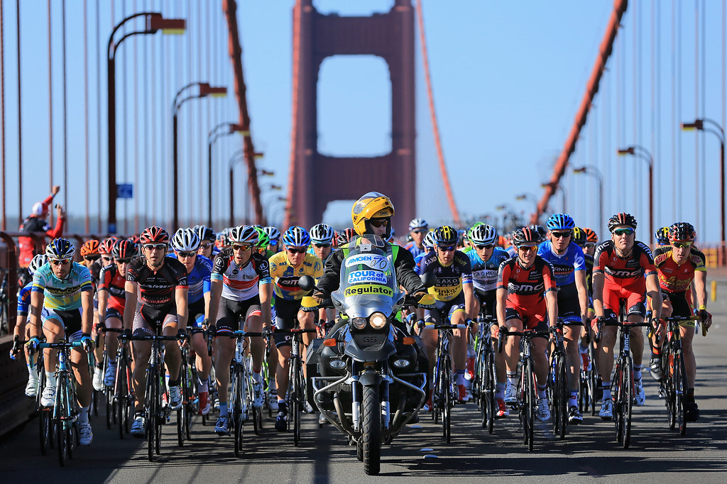Description of . The peloton makes its way over the Golden Gate bridge as they leave the start of Stage Eight of the 2013 Amgen Tour of California from San Francisco to Santa Rosa on May 19, 2013 in San Francisco, California. (Photo by Doug Pensinger/Getty Images)