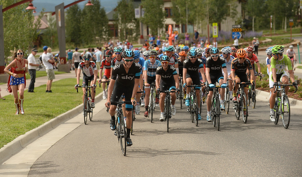 . The peloton leaves Steamboat Springs at the start of the 103.7-mile fourth stage of 2013 USA Pro Challenge race from Steamboat Springs to  Beaver Creek, Colorado. August 22, 2013. (Photo by Hyoung Chang/The Denver Post)