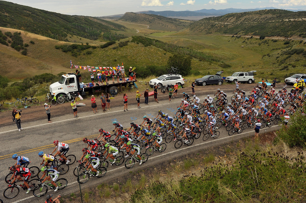 . The peloton climbs the first King of Mountain hill during the 103.7-mile fourth stage of 2013 USA Pro Challenge race from Steamboat Springs to  Beaver Creek, Colorado. August 22, 2013. (Photo by Hyoung Chang/The Denver Post)