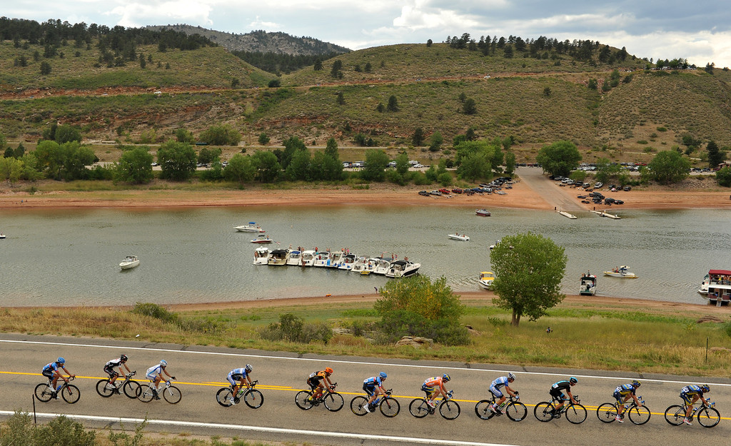 . People cheer the cyclists from their boats at Horsetooth Reservoir during the 115.2 mile 6th stage of 2013 USA Pro Challenge race from Loveland to Fort Collins, Colorado. August 24, 2013. (Photo by Hyoung Chang/The Denver Post)