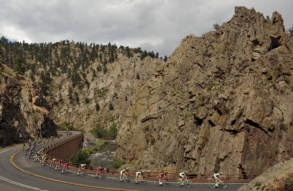. Cyclists descend Big Thompson Canyon during the 115.2 mile 6th stage of 2013 USA Pro Challenge race from Loveland to Fort Collins, Colorado. August 24, 2013. (Photo by Hyoung Chang/The Denver Post)