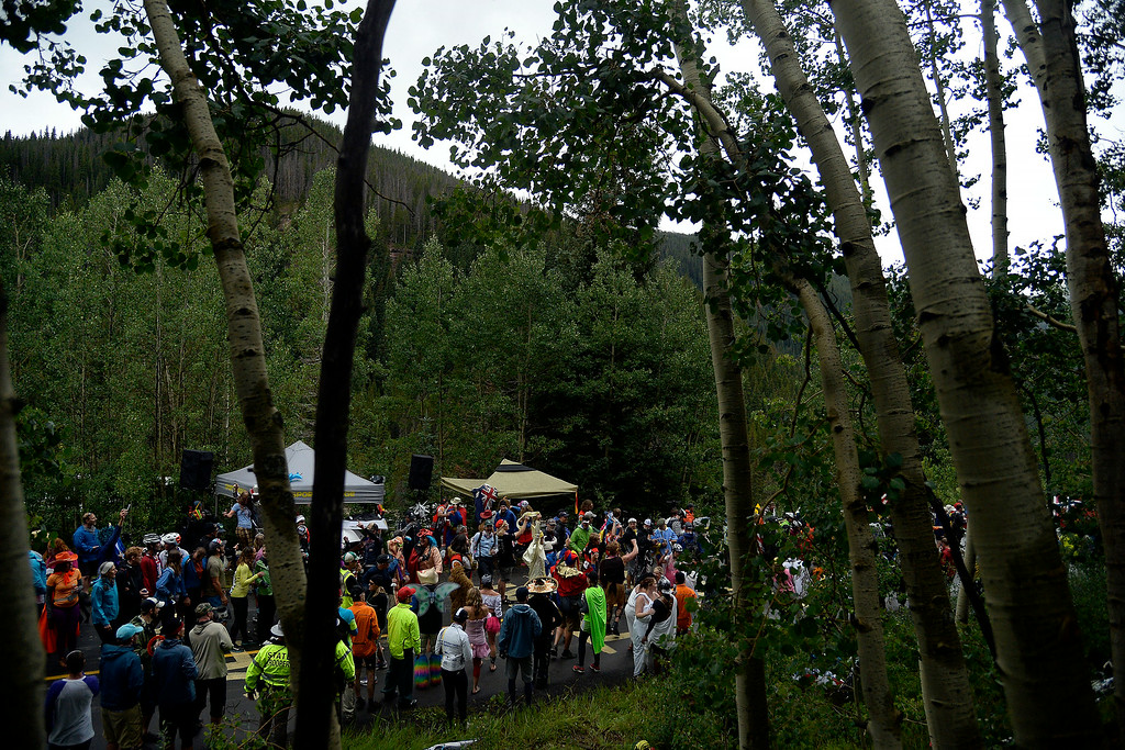 . VAIL, CO - AUGUST 23: Fans cheer on racers during stage 6. The USA Pro Challenge stage 6 time trial on Saturday, August 23, 2014. (Photo by AAron Ontiveroz/The Denver Post)