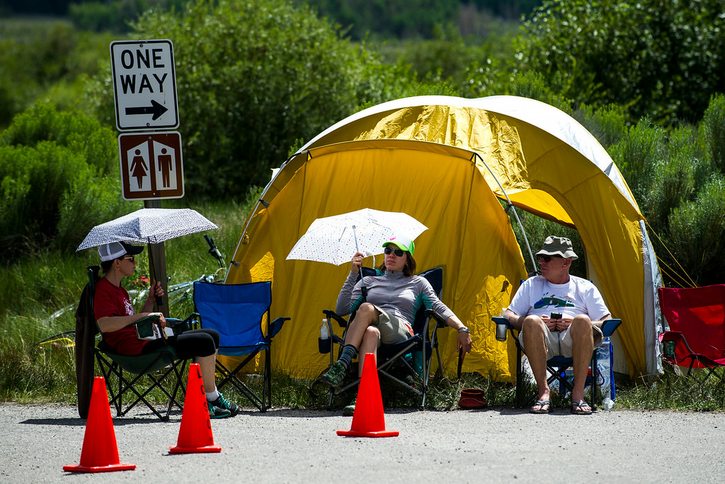 . Spectators are seen waiting for runners to pass by during the 2014 Leadville Trail 100 ultramarathon on Saturday, August 16, 2014 in Twin Lakes, Colorado.  (Photo by Kent Nishimura/The Denver Post)