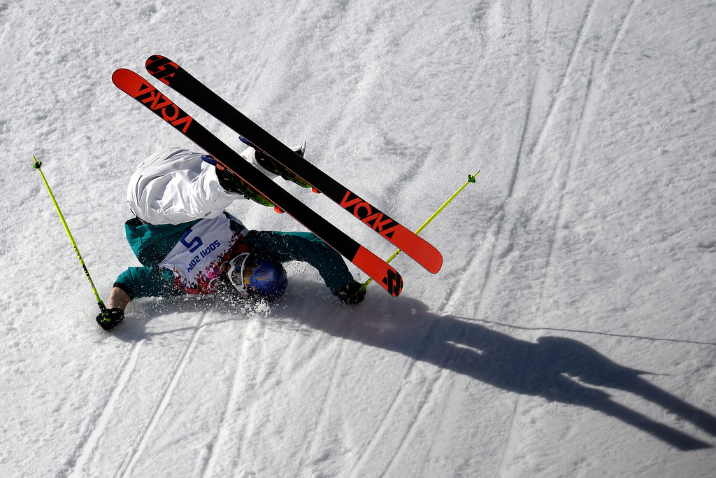. Australia\'s Russ Henshaw wrecks during the men\'s ski slopestyle final at the Rosa Khutor Extreme Park on Thursday, February 13, 2014. (Photo by AAron Ontiveroz/The Denver Post)