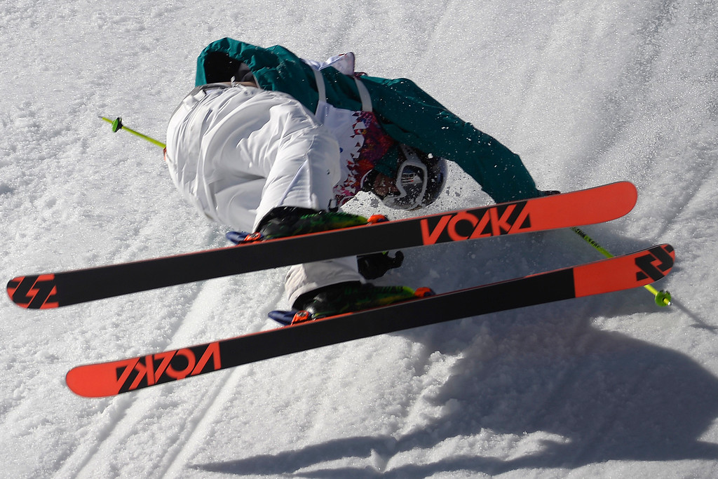 . Australia\'s Russ Henshaw wrecks during the men\'s ski slopestyle final at the Rosa Khutor Extreme Park. (Photo by AAron Ontiveroz/The Denver Post)