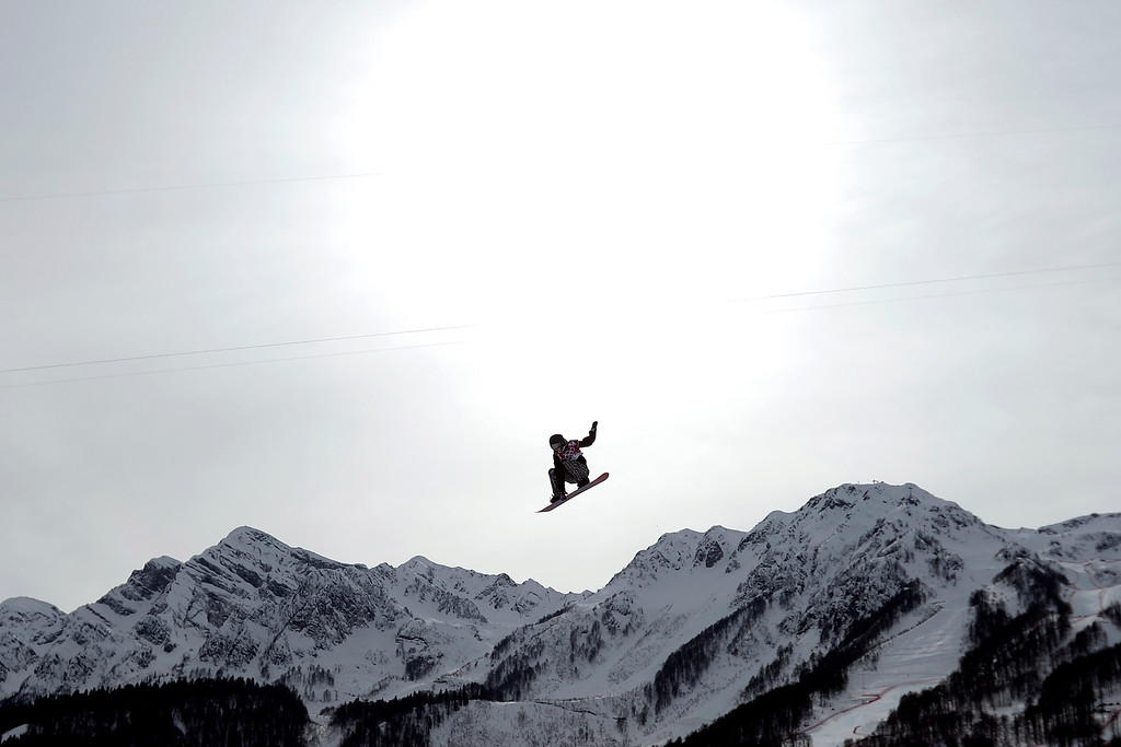 . Enni Rukajarvi, of Finland, makes a grab on her final jump en route to a silver medal during the women\'s snowboard slopestyle final.  (Photo by AAron Ontiveroz/The Denver Post)