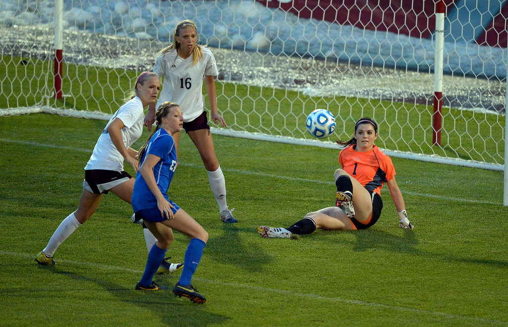 . Cheyenne Mountain GK Hunter Peifer (1) makes a save in the second half against Broomfield during the 4A girls State Soccer Championship May 21, 2014 at Dick\'s Sporting Goods Park. Cheyenne Mountain defeated Broomfield 2-0. (Photo by John Leyba/The Denver Post)