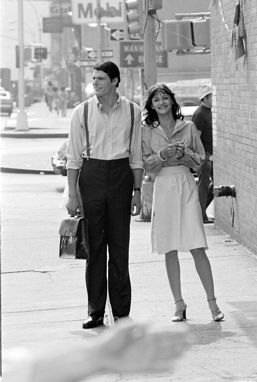 ". Christopher Reeve, portraying Clark Kent aka Superman, left, Margot Kidder, portraying Lois Lane, are shown on East Broadway near Pitt Street during filming of ""Superman\"" in New York\'s Lower East Side, Friday, July 8, 1977.  (AP Photo)"