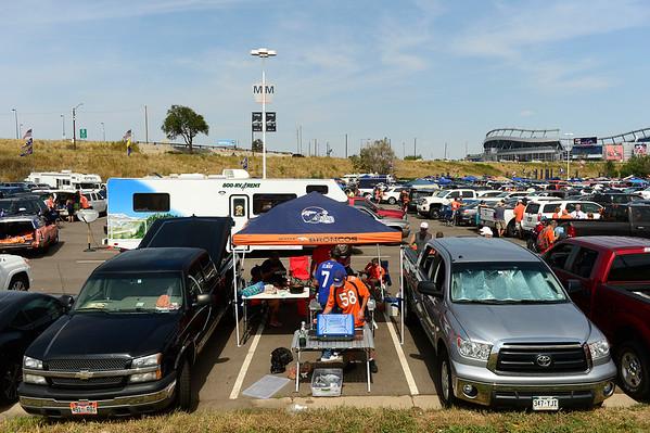 2015-09-29 Tailgating at Broncos games