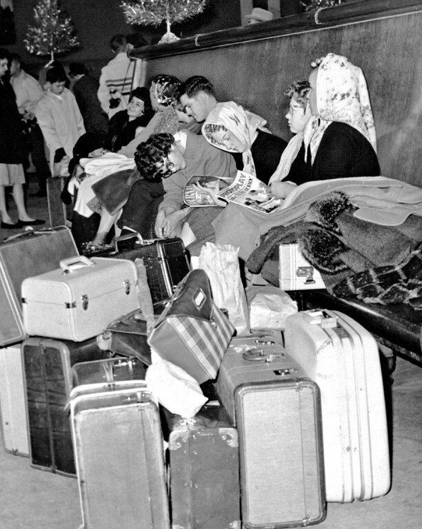 . At Union Station, hundreds of persons arrived heavily bundled against snow in 1963.  (The Denver Post Library Archive)