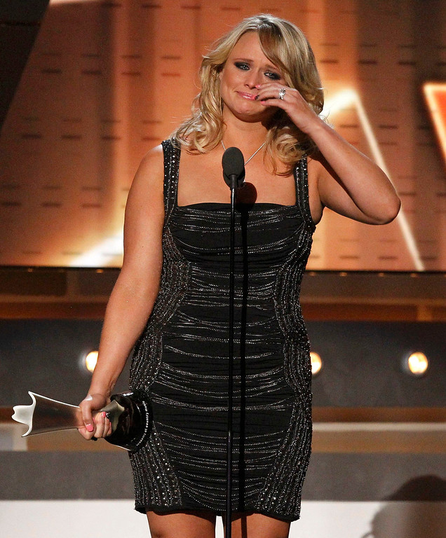 . Miranda Lambert accepts the award for female vocalist of the year at the 48th ACM Awards in Las Vegas April 7, 2013.  REUTERS/Mario Anzuoni