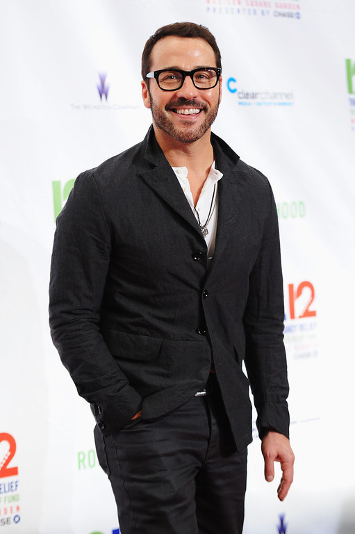 """. NEW YORK, NY - DECEMBER 12: Jeremy Piven attends \""""12-12-12\"""" a concert benefiting The Robin Hood Relief Fund to aid the victims of Hurricane Sandy presented by Clear Channel Media & Entertainment, The Madison Square Garden Company and The Weinstein Company at Madison Square Garden on December 12, 2012 in New York City.  (Photo by Dimitrios Kambouris/Getty Images)"""