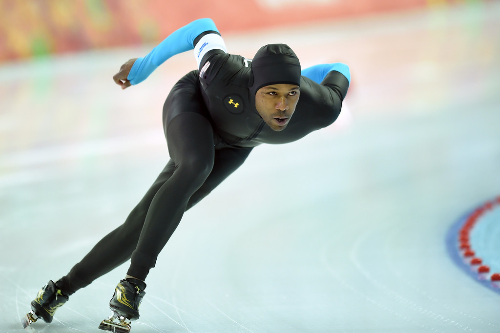 . US Shani Davis competes in the Men\'s Speed Skating 1500 m at the Adler Arena during the Sochi Winter Olympics on February 15, 2014.           JUNG YEON-JE/AFP/Getty Images