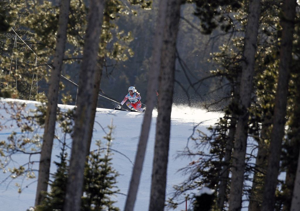 . Julia Mancuso of the USA competes during the Audi FIS Alpine Ski World Cup Women\'s Giant Slalom on December 01, 2013 in Beaver Creek, Colorado. (Photo by Alexis Boichard/Agence Zoom/Getty Images)