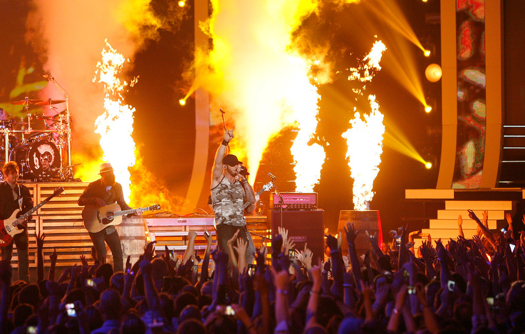 . Brantley Gilbert performs on stage at the CMT Music Awards at Bridgestone Arena on Wednesday, June 4, 2014, in Nashville, Tenn. (Photo by Wade Payne/Invision/AP)