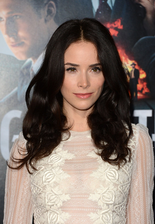 """. Actress Abigail Spencer arrives at Warner Bros. Pictures\' \""""Gangster Squad\"""" premiere at Grauman\'s Chinese Theatre on January 7, 2013 in Hollywood, California.  (Photo by Jason Merritt/Getty Images)"""