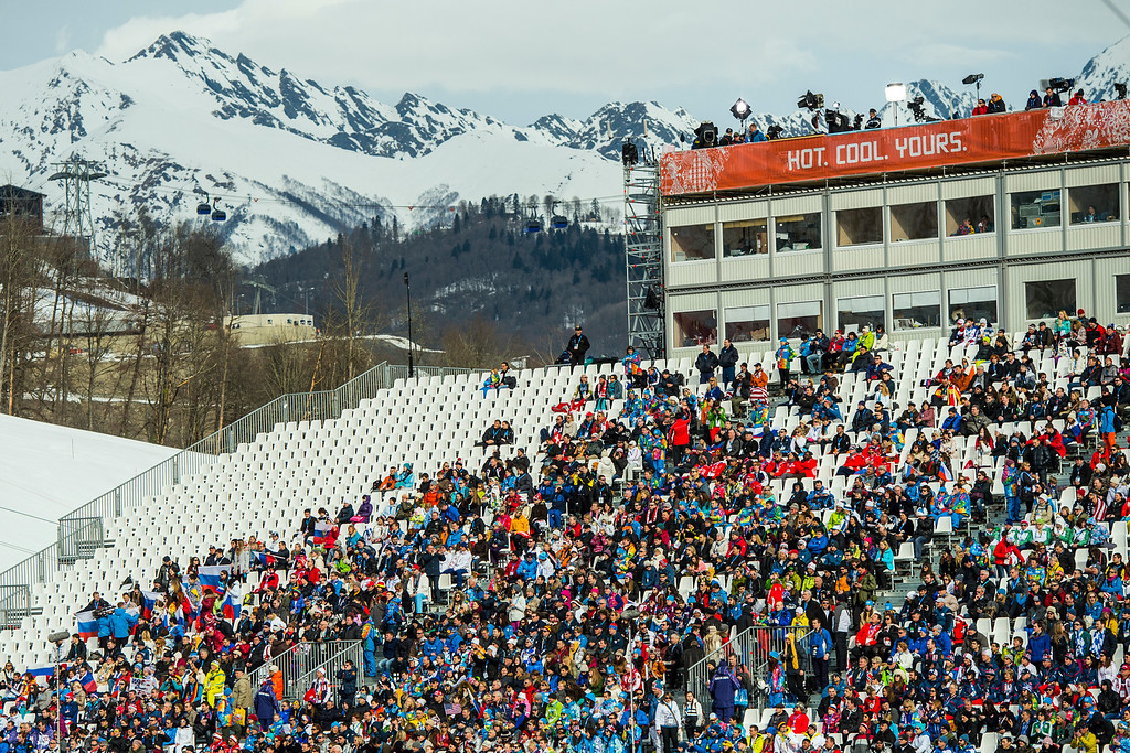 . KRASNAYA POLYANA, RUSSIA  - JANUARY 9: Spectators watch the Men\'s Downhill race at Rosa Khutor Alpine Center during the 2014 Sochi Olympic Games Sunday February 9, 2014. Austria\'s Matthias Mayer won the gold with a time of 2:06.23. (Photo by Chris Detrick/The Salt Lake Tribune)