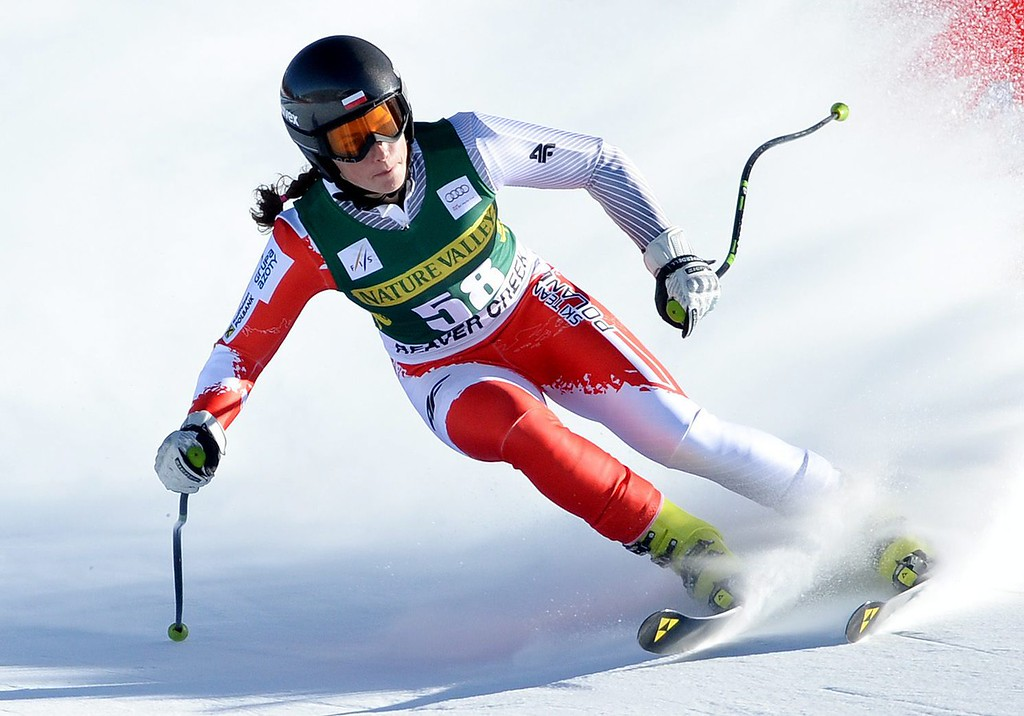 . Skier Karolina Chrapek of Poland, takes a turn during the women\'s downhill race at the FIS World Cup Alpine Skiing in Beaver Creek, Colorado, USA, 29 November 2013.  EPA/JUSTIN LANE