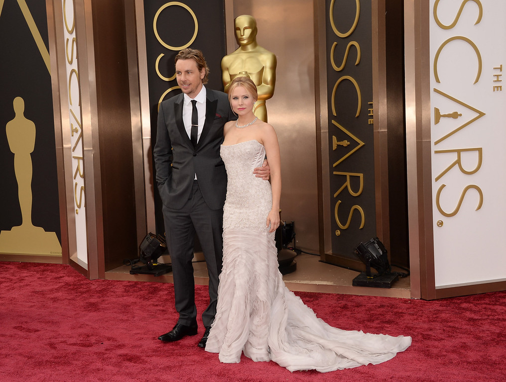 . Actors Dax Shepard (L) and Kristen Bell attend the Oscars held at Hollywood & Highland Center on March 2, 2014 in Hollywood, California.  (Photo by Jason Merritt/Getty Images)