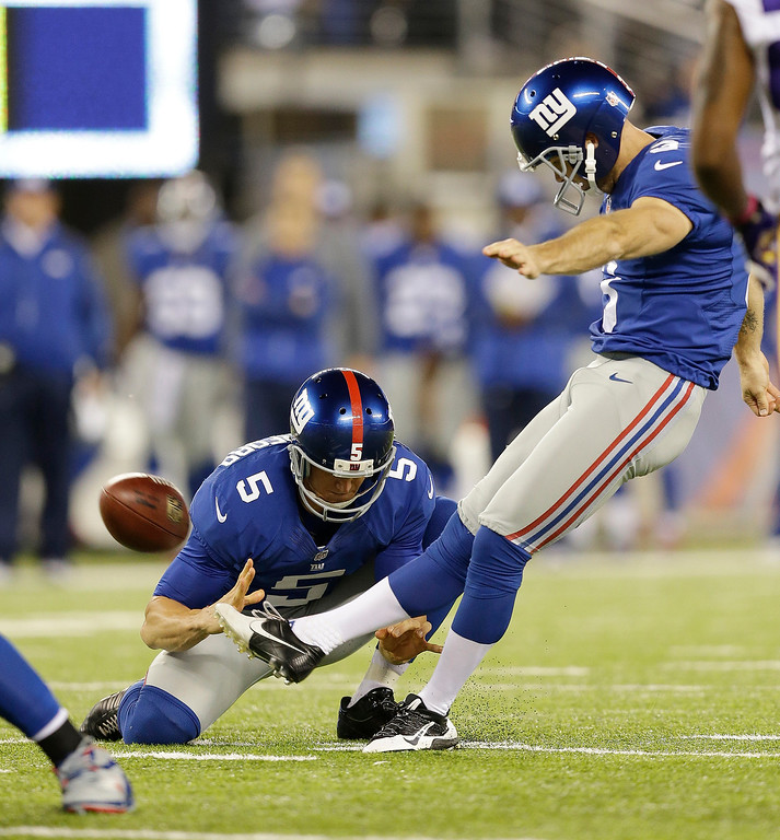 . New York Giants kicker Josh Brown (3) kicks a field goal during the first half of an NFL football game against the Minnesota Vikings Monday, Oct. 21, 2013 in East Rutherford, N.J. (AP Photo/Julio Cortez)