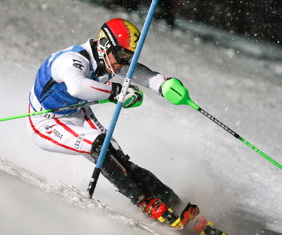 . Marcel Hirscher of Austria skis to place third in the men\'s World Cup Slalom skiing race in Val d\'Isere, French Alps, December 8, 2012.    REUTERS/Emmanuel Foudrot