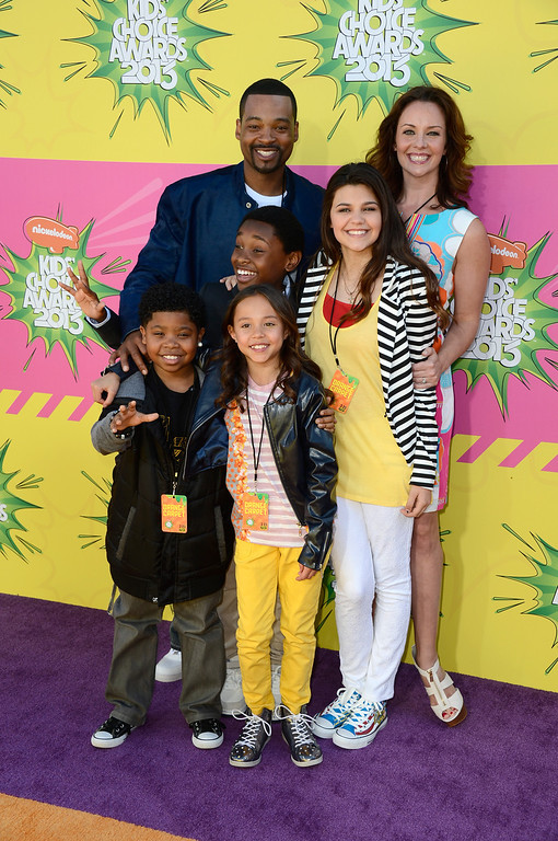 . LOS ANGELES, CA - MARCH 23:  Actors Chico Benymon (top left), Ginfer King (top right), Amber Montana, Breanna Yde, Curtis Harris and Benjamin Flores Jr. arrive at Nickelodeon\'s 26th Annual Kids\' Choice Awards at USC Galen Center on March 23, 2013 in Los Angeles, California.  (Photo by Frazer Harrison/Getty Images)