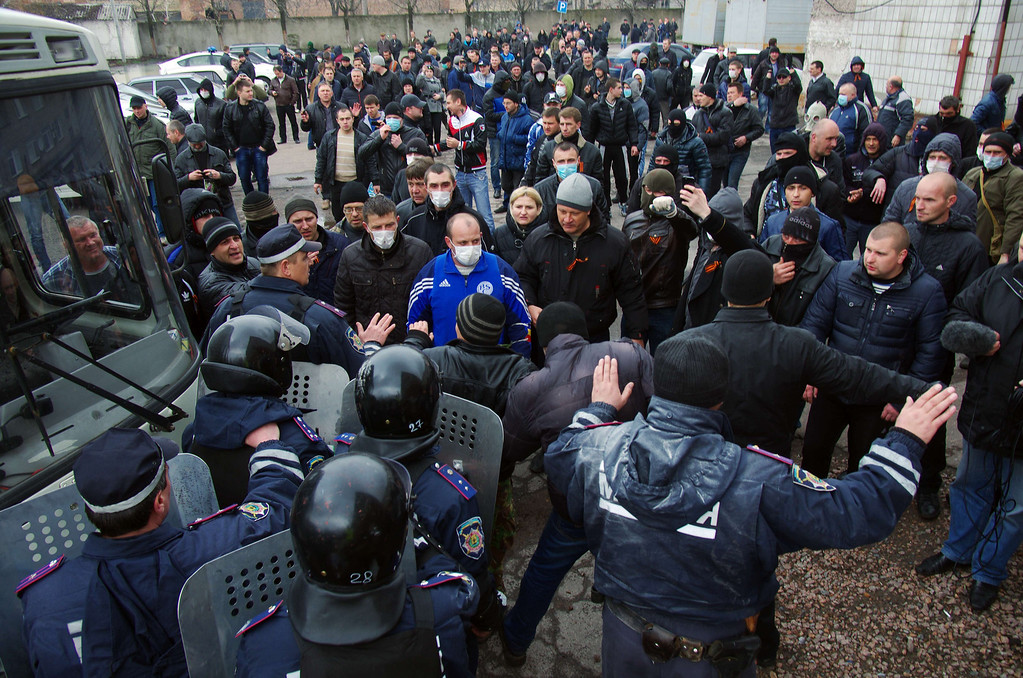 . Ukrainian police try to stop pro-Russia activists from storming the regional police building in the eastern Ukrainian city of Horlivka (Gorlovka), near Donetsk, on April 14, 2014.   AFP PHOTO/ ALEXEY  KRAVTSOV/AFP/Getty Images