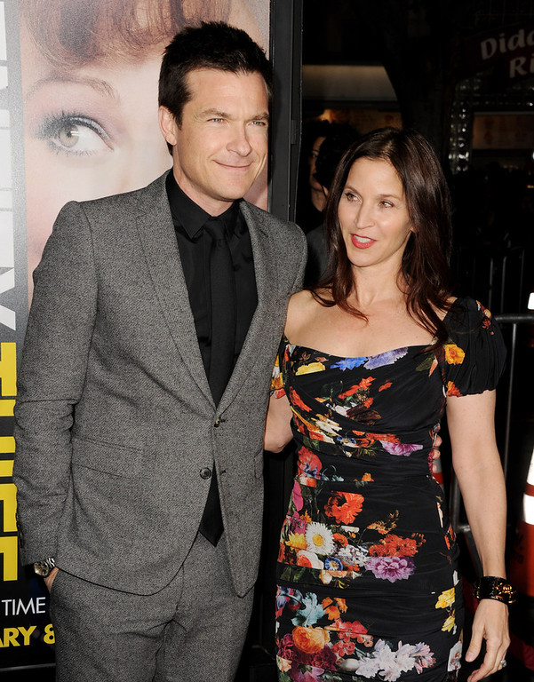 """. Actor Jason Bateman (L) and his wife Amanda Anka arrive at the premiere of Universal Pictures\' \""""Identity Theft\"""" at the Village Theatre on February 4, 2013 in Los Angeles, California.  (Photo by Kevin Winter/Getty Images)"""