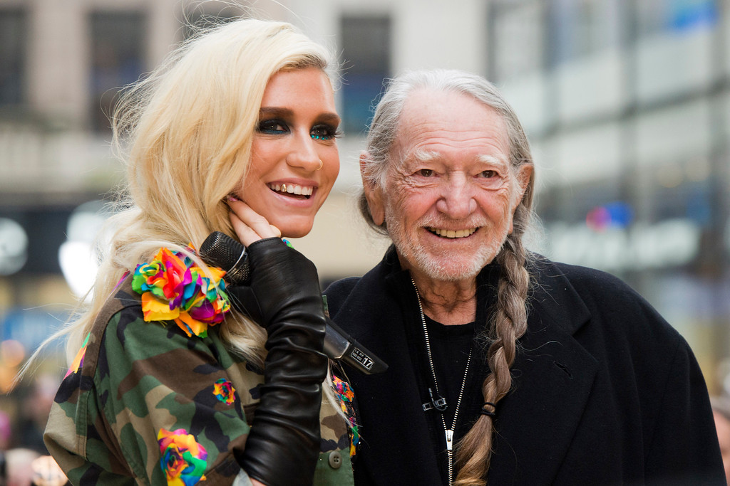 ". Ke$ha and Willie Nelson appear on NBC\'s ""Today\"" show on Tuesday, Nov. 20, 2012 in New York. (Photo by Charles Sykes/Invision/AP)"