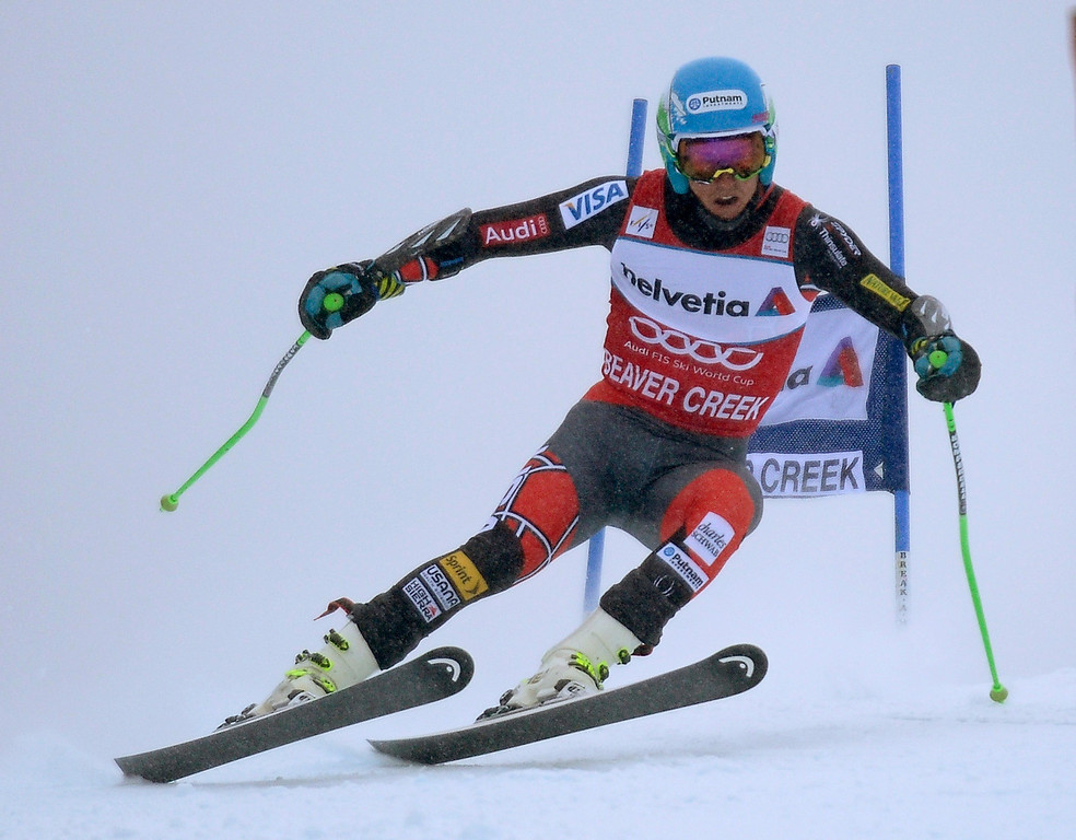 . Ted Ligety of the USA in action during the first run in the men\'s Giant Slalom race at the FIS Alpine Skiing World Cup in Beaver Creek, Colorado, USA, 08 December 2013.  EPA/JOHN G. MABANGLO