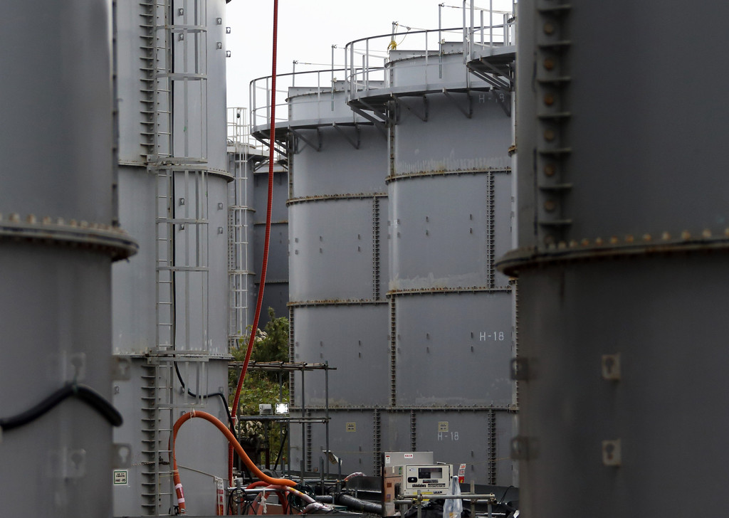 . Storage tanks for radioactive water stand in the H4 area at Tokyo Electric Power Co.\'s (Tepco) Fukushima Dai-ichi nuclear power plant in Okuma, Fukushima Prefecture, Japan on November 7, 2013.   AFP PHOTO / POOL TOMOHIRO OHSUMI/AFP/Getty Images