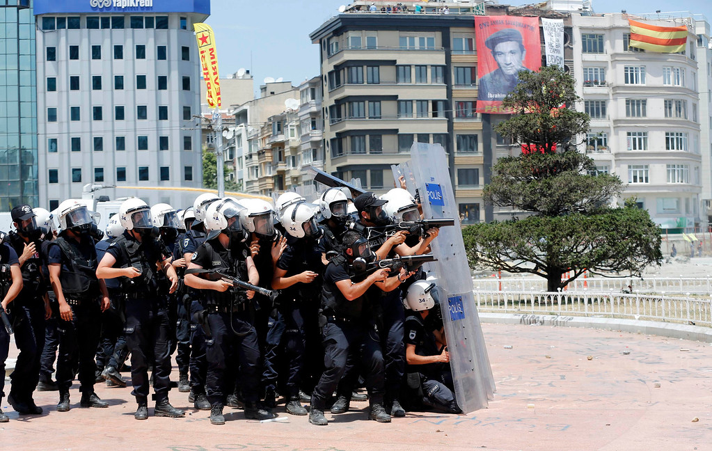 . Turkish riot police take position during a protest at Taksim Square in Istanbul June 11, 2013.  REUTERS/Murad Sezer