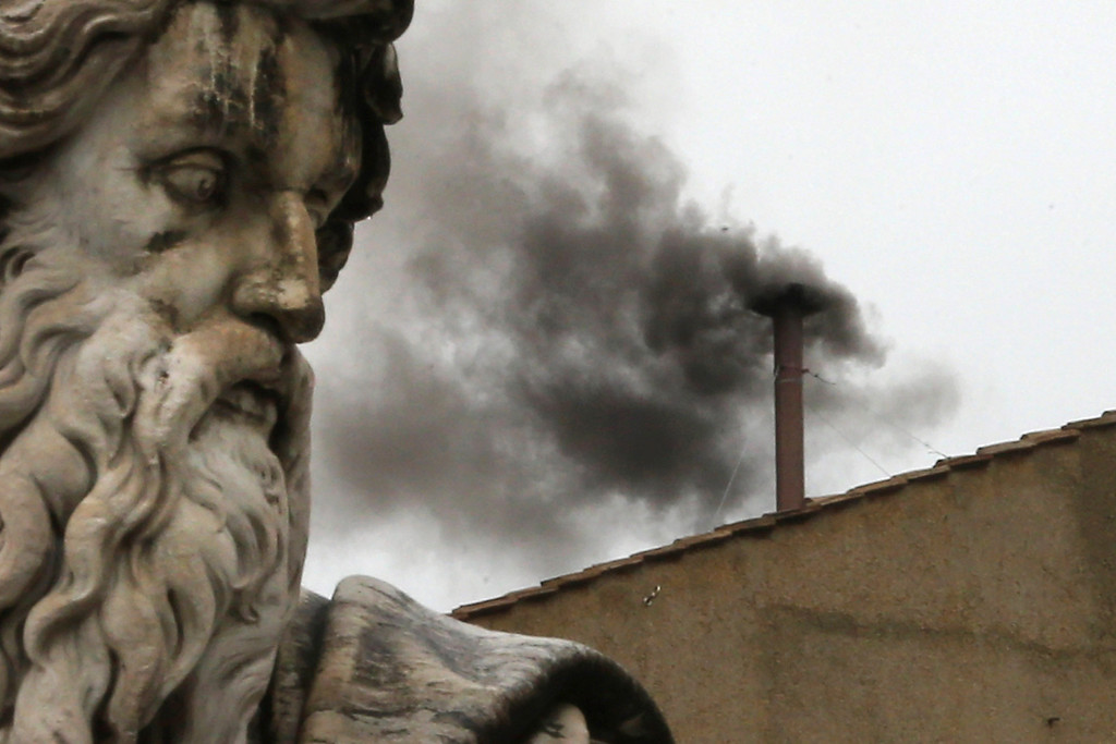 . Black smoke billows from the chimney on the roof of the Sistine Chapel indicating that the College of Cardinals have failed to elect a new Pope on March 13, 2013 in Vatican City, Vatican. Pope Benedict XVI\'s successor is being chosen by the College of Cardinals in Conclave in the Sistine Chapel. The 115 cardinal-electors, meeting in strict secrecy, will need to reach a two-thirds-plus-one vote majority to elect the 266th Pontiff.  (Photo by Dan Kitwood/Getty Images)