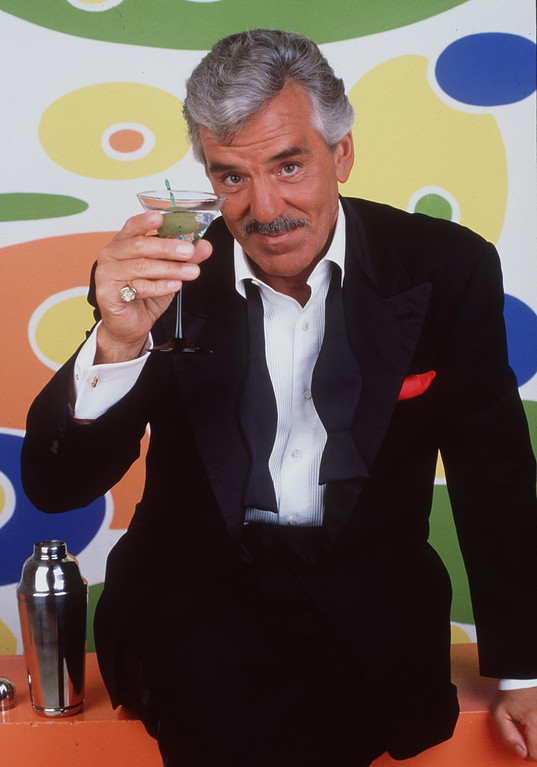 ". 1998 Dennis Farina Stars In The New Series ""Buddy Faro.\"" (Photo By Getty Images)"