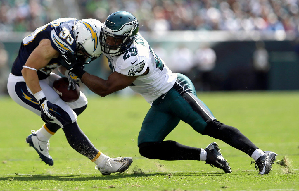 . Philadelphia Eagles\' Nate Allen, right, tackles San Diego Chargers\' Danny Woodhead during the first half of an NFL football game on Sunday, Sept. 15, 2013, in Philadelphia. (AP Photo/Matt Rourke)