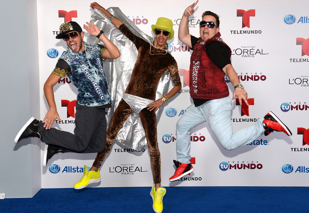 . MIAMI, FL - AUGUST 15:  Peter La Anguila and el Pichy Films arrive for Telemundo\'s Premios Tu Mundo Awards at American Airlines Arena on August 15, 2013 in Miami, Florida.  (Photo by Gustavo Caballero/Getty Images)