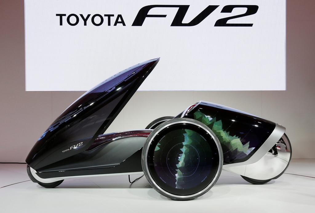 . Toyota Motor Corp. unveils its Toyota FV two at the 43rd Tokyo Motor Show 2013 in Tokyo, Japan, 20 November 2013.  EPA/KIMIMASA MAYAMA