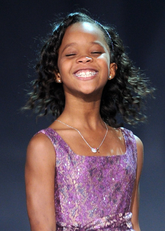 ". Actress Quvenzhane Wallis accepts the Best Young Actor/Actress Award for ""Beasts of the Southern Wild\"" onstage at the 18th Annual Critics\' Choice Movie Awards held at Barker Hangar on January 10, 2013 in Santa Monica, California.  (Photo by Kevin Winter/Getty Images)"
