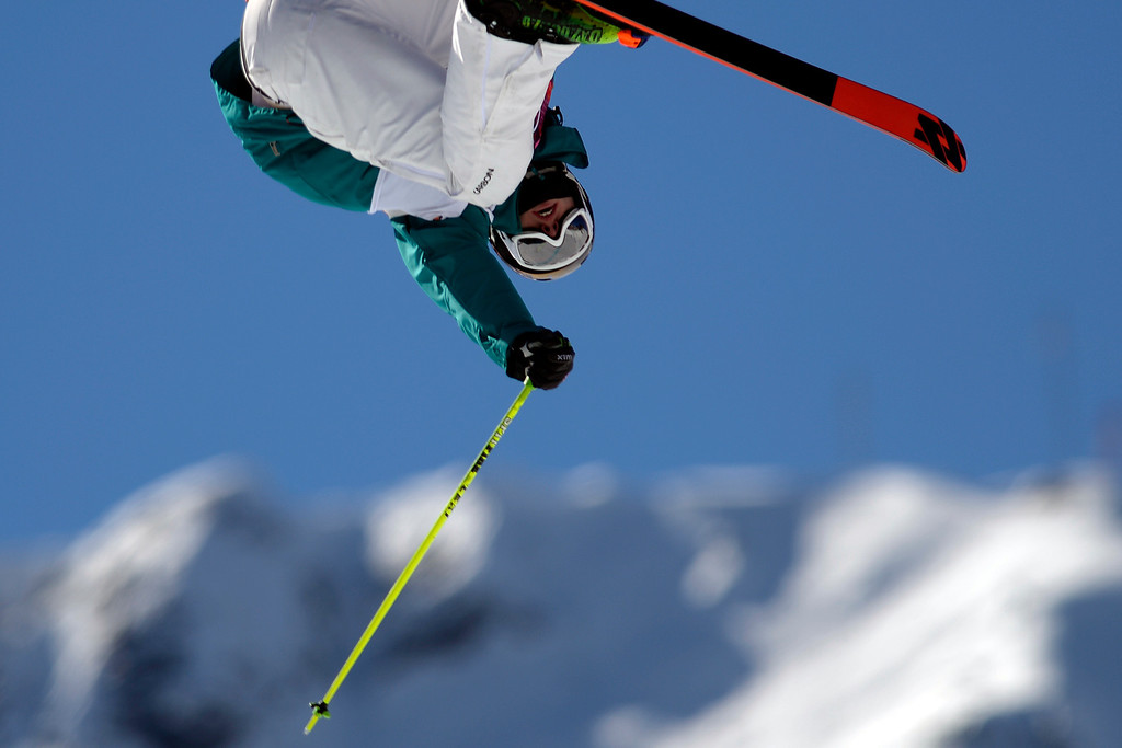 . Australia\'s Russ Henshaw rotates during the men\'s ski slopestyle final at the Rosa Khutor Extreme Park. Sochi 2014 Winter Olympics on Thursday, February 13, 2014. (Photo by AAron Ontiveroz/The Denver Post)