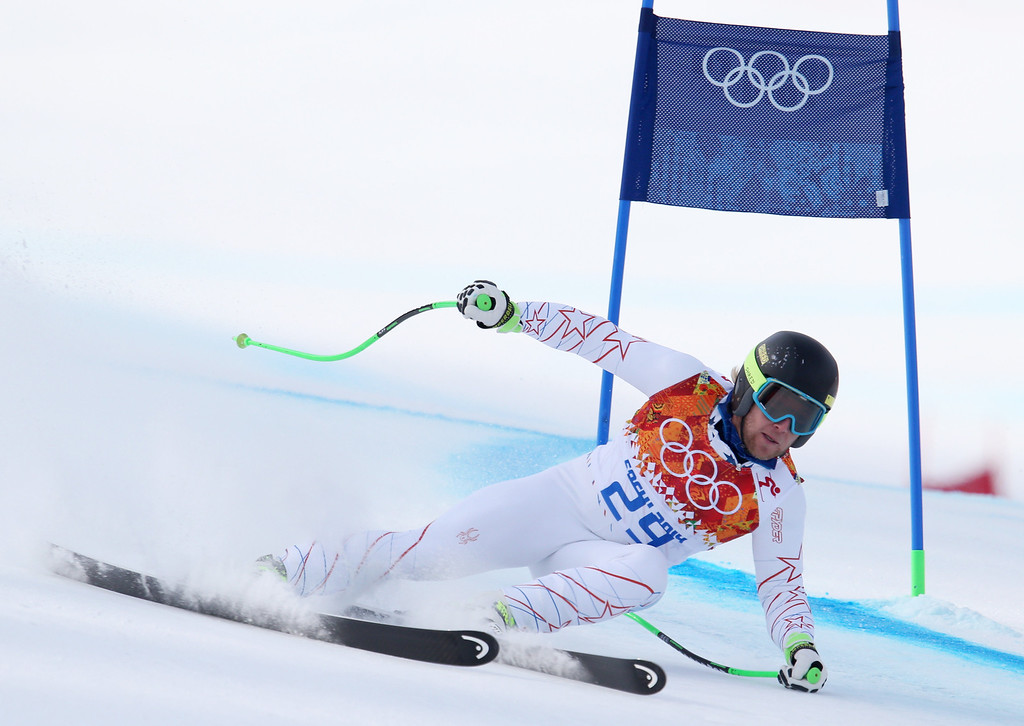 . United States\' Andrew Weibrecht passes a gate in the men\'s super-G at the Sochi 2014 Winter Olympics, Sunday, Feb. 16, 2014, in Krasnaya Polyana, Russia. (AP Photo/Alessandro Trovati)