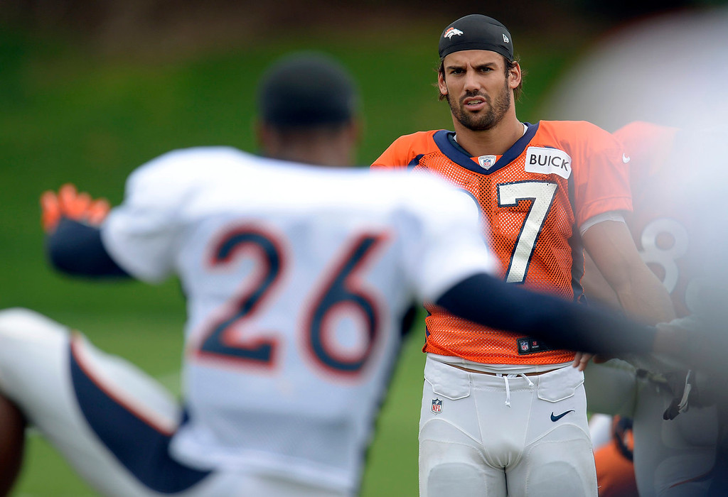 . Denver Broncos wide receiver Eric Decker (87) stretches before practice September 1, 2013 at Dove Valley. (Photo by John Leyba/The Denver Post)