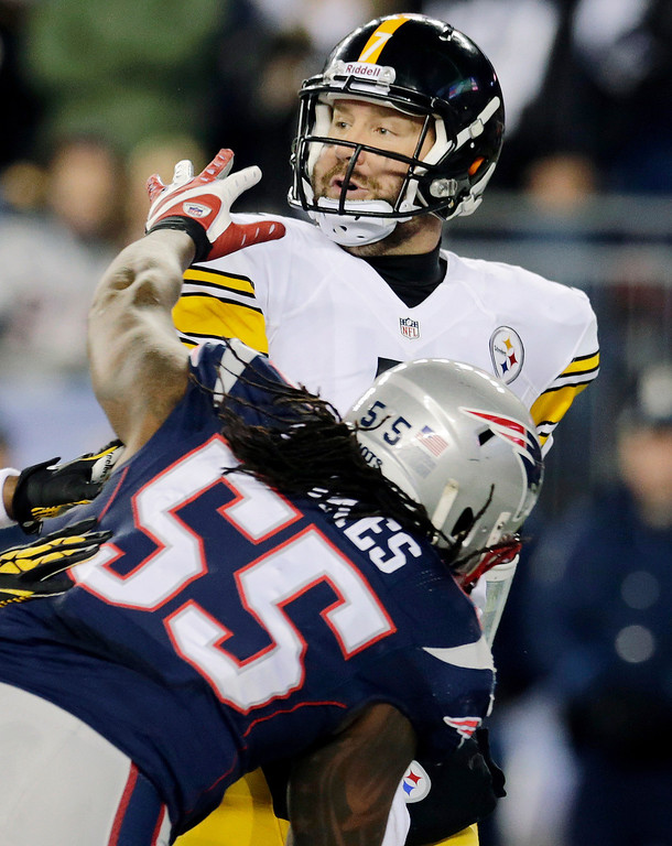. New England Patriots middle linebacker Brandon Spikes (55) pressures Pittsburgh Steelers quarterback Ben Roethlisberger in the first quarter of an NFL football game Sunday, Nov. 3, 2013, in Foxborough, Mass. (AP Photo/Charles Krupa)