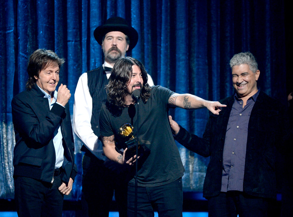 . (L-R) Musicians Paul McCartney, Krist Novoselic, Dave Grohl, and Pat Smear accept the Best Rock Song award for \'Cut Me Some Slack\' onstage during the 56th GRAMMY Awards at Staples Center on January 26, 2014 in Los Angeles, California.  (Photo by Kevork Djansezian/Getty Images)