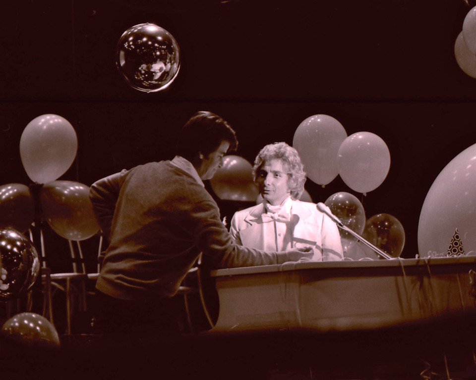 . NYRE 1980 Barry Manilow and Dick Clark