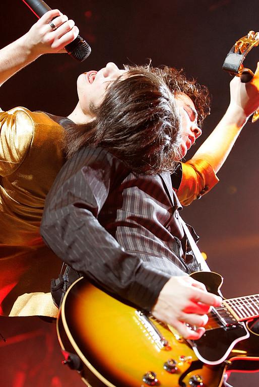 . Joe Jonas, left, and Nick Jonas, right, of the band Jonas Brothers perform at the Gibson Amphitheatre in Universal City, Calif. on Sunday, February 3, 2008. (AP Photo/Dan Steinberg)