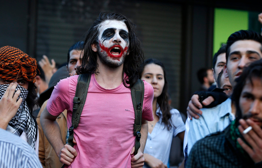 . An anti-government protester who painted his face participates in a demonstration in Ankara June 4, 2013.  REUTERS/Umit Bektas