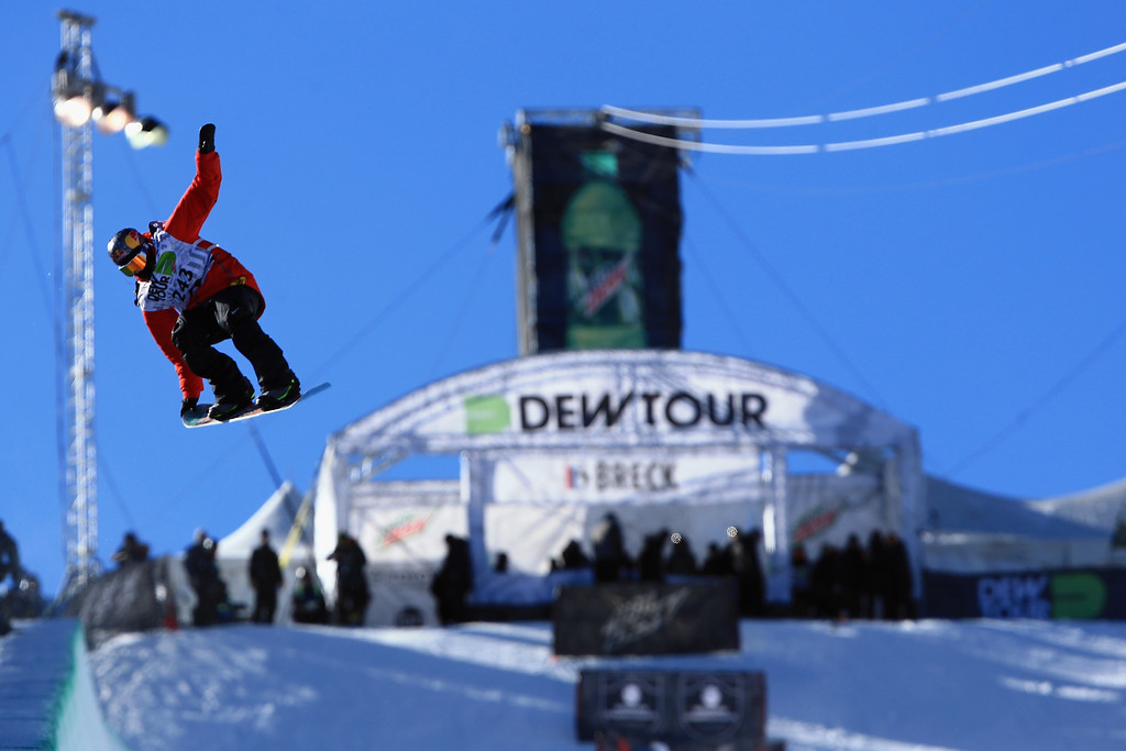 . Greg Bretz en route to winning the men\'s snowboard superpipe final at the Dew Tour iON Mountain Championships on December 14, 2013 in Breckenridge, Colorado.  (Photo by Doug Pensinger/Getty Images)